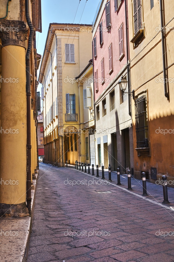Alleyway. Bologna. Emilia-Romagna. Italy.  Stock Photo #8721389