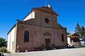 Iglesia de st. vicinio. torriana. emilia-romaña. italia. — Foto de Stock