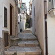 Alleyway. Peschici. Puglia. Italy. - Foto de Stock  