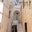 Alleyway. Cisternino. Puglia. Italy. — Stock Photo