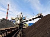 Almacenamiento de carbón en las centrales eléctricas — Foto de Stock
