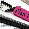 Plan B note on agenda and pen - Foto Stock