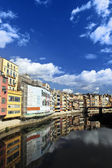 Colorful old town houses over the river in Girona, Spain — ストック写真