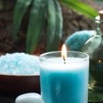 Spa omgeving met badzout en kaarsen — Stockfoto