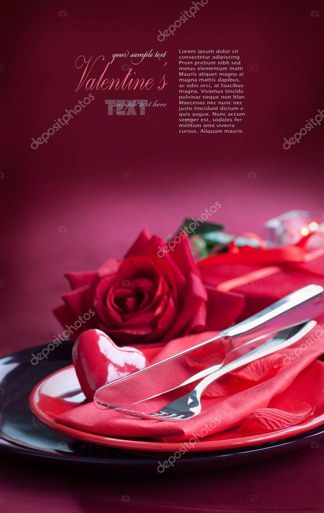 Restaurant series. Valentine' day   dinner with table setting in red and holiday elegant  heart ornaments — Foto Stock #8726251