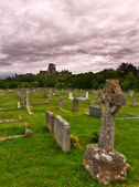 Corfe Castle with cemetery, Dorset, England — Stock Photo
