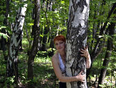 The girl at a birch — Stock Photo