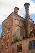 放棄された工業ビル — ストック写真