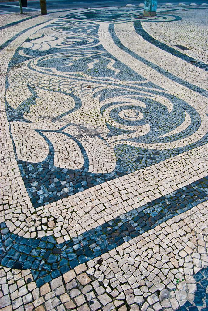 Mosaic of a fish on the Praca do Comercio, Lisbon, Portugal — Stock Photo #10283057