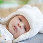 Newborn baby — Stock Photo #10565290