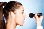 Apply makeup — Stock Photo