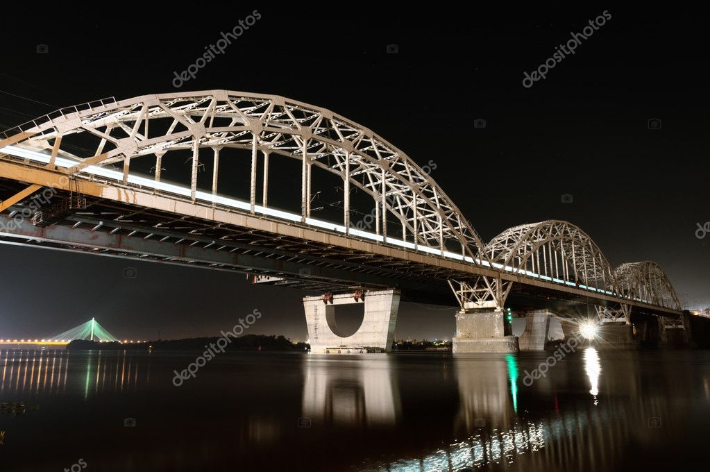 Kiev Railway Bridge At Night, Long Exposure — Stock Photo #9226084