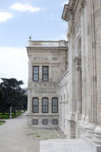 A side of dolmabache palace showing the beautiful stone work — Stock Photo