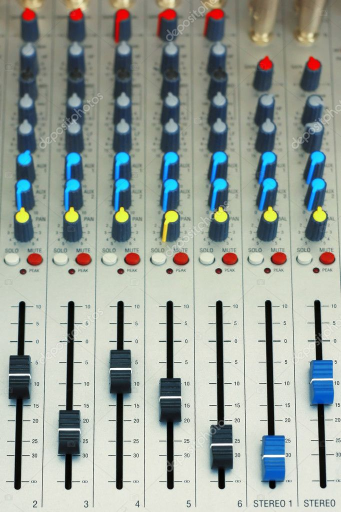 Audio mixer — Stock Photo #8150101
