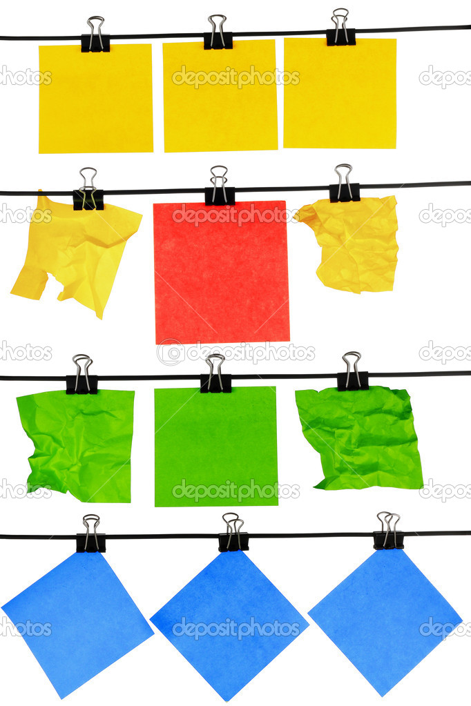 Colored blank peper reminder hanging on wire — Stock Photo #8151599