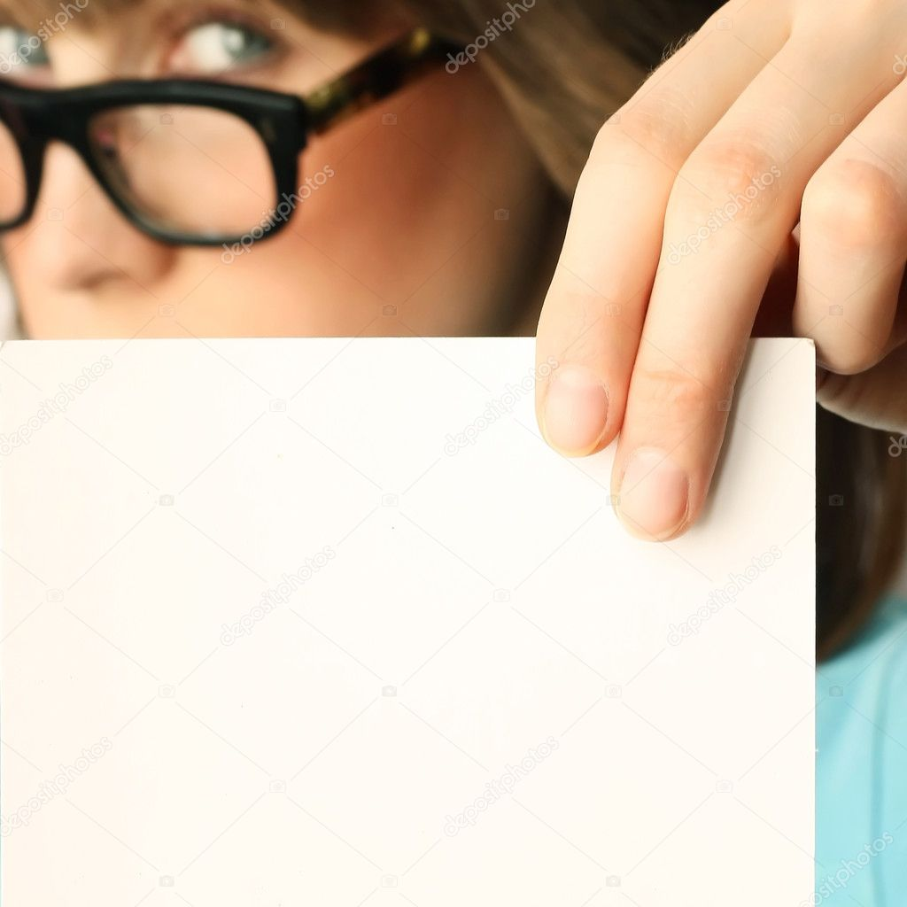Young woman with blank paper — Stock Photo #8155748
