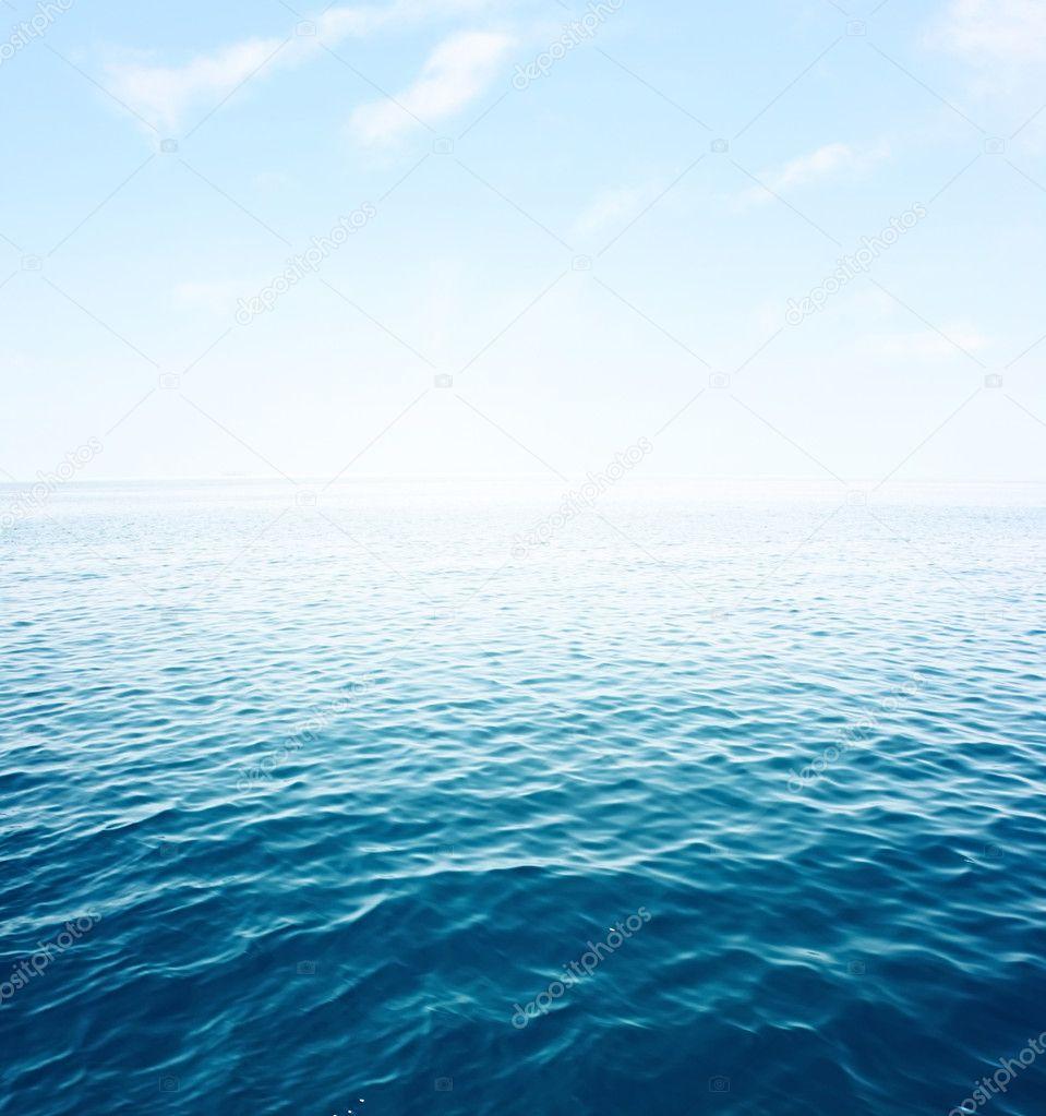 Пасмурное море
