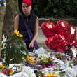 LONDON - JULY 27: Her fans pay tribute to Amy Winehouse — Zdjęcie stockowe
