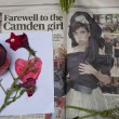 LONDON - JULY 27: Her fans pay tribute to Amy Winehouse — Foto Stock