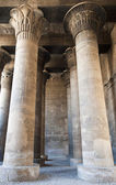 Columns in an ancient egyptian temple — Stock fotografie