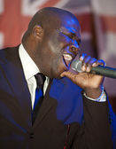 African man singing live — Stock Photo