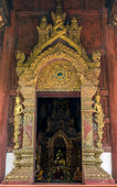 Entrance of the church at Phra Singh Temple — Stock Photo