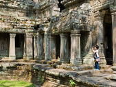 Unidentified Traveler photo the architecture of ancient Angkor T — Stok fotoğraf