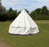 Canvas Bell Camping Tent. — Stock Photo