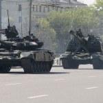 Tank T-90 — Stock Photo #10618326