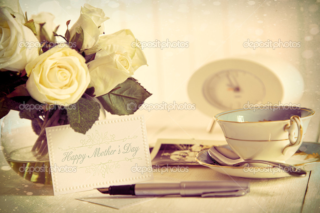 Roses and note card for Mother's day with vintage feel — Stock Photo #10246123