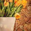 Tulips with vintage grunge background — Stock Photo