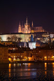 Beautiful night view of Prague Castle — Stock Photo