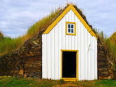 Traditional Iceland turf roof house — Stok fotoğraf