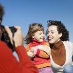 lyckliga familjen skytte — Stockfoto