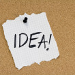 Idea note on pinboard — Stock Photo