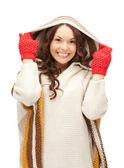 白いセーターで美しい女性 — ストック写真