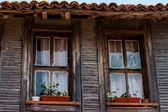 Fragment starého dřevěného domu — Stock fotografie