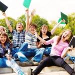 Teenage guys and girls shouting — Stock Photo