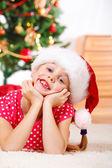 Flicka i santa hatt — Stockfoto