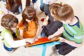 παιδιά ομάδα αντλώντας — Φωτογραφία Αρχείου