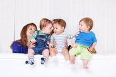 Barn kommunicerar — Stockfoto