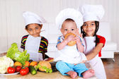 Kids cooking — Stockfoto