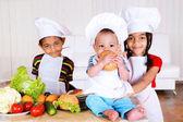 Kids cooking — Stockfoto