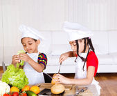 Siblings making sandwich — Stock Photo
