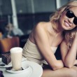 Royalty-Free Stock Photo: Cute blond beauty wearing sunglasses