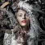 Retrato de una bella mujer rubia — Foto de Stock