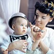 Beauty woman and baby with saucepan - Foto de Stock