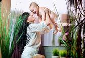 Laughing mum and baby — Stock Photo