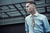 Elegantní mladý muž — Stock fotografie
