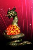 Grande dragão rolou o sol — Foto Stock